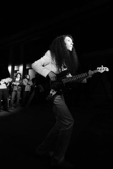 Czarny blues w białym kostiumie (Magda Piskorczyk) III