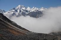 Himalaje w chmurach (Nepal)