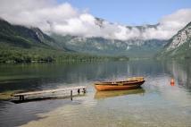 Jezioro Bohinjskie (Alpy Julijskie, Słowenia)