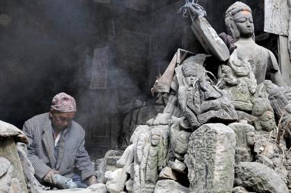 Rzeźbiarz z Bhaktapuru