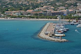 Port i plaża miejska w Calvi