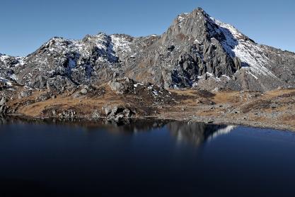 Chhyarkung Chuli nad Amakund (przełęcz Laurebina)