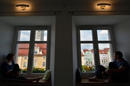 Dwa okna, jeden świat (nasza niezwykła baza w Bolesławcu)