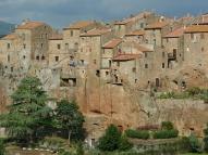 Pitigliano - miasto na skale (Toskania)