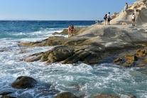 Skalista część wybrzeża w Sant'Andrea