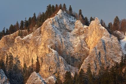 Zimowe Pieniny o zachodzie słońca