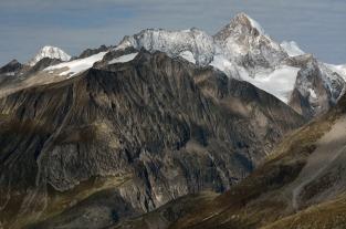 Alpejska panorama (okolice Aletsch)